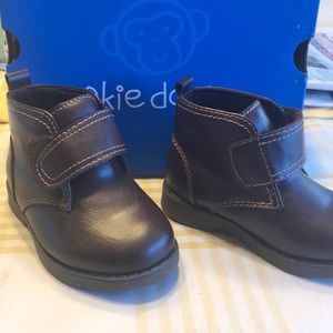 New in box toddler boys boots